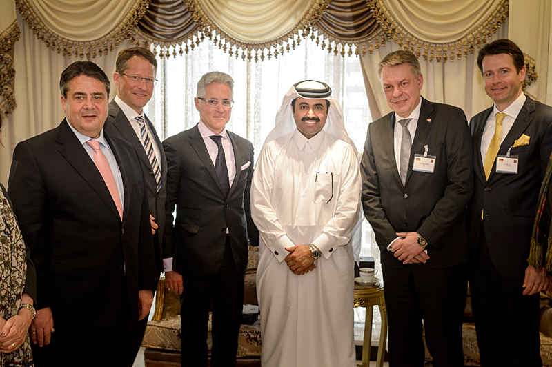 From the middle right to left: H.E. Al Sada, Philipp Bayat, Siemens-BoD Roland Busch and Vice Chancellor Sigmar Gabriel